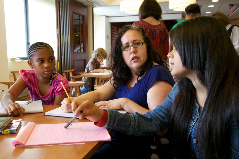 Colleen Cruz Teaches Writing