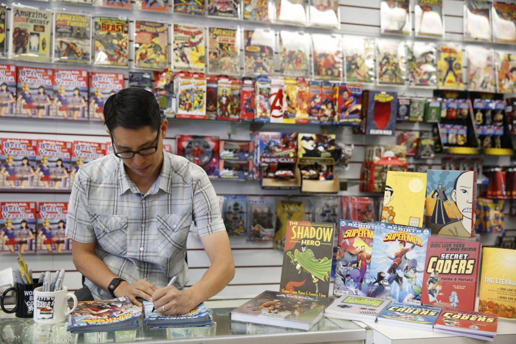 Gene Luen Yang, 2016 MacArthur Fellow, Flying Color Comics, Concord/California, Tuesday, Sept. 6, 2016.